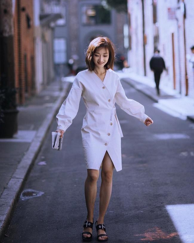 Váy xẻ tà sẽ làm tăng chiều cao cho người lùn